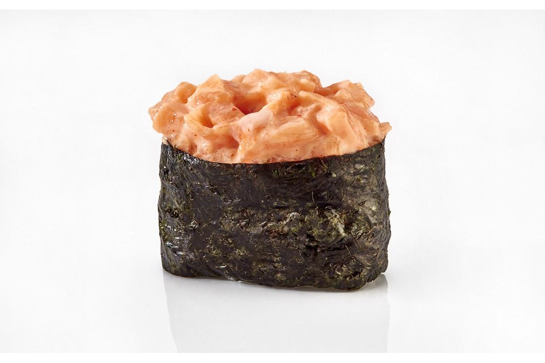 Суши Острый Копчёный лосось (1 шт) 40гр